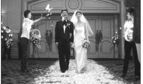 国外西式婚庆是如何撒花的?