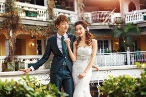 婚纱店应根椐新娘的体形来设定婚纱的款式
