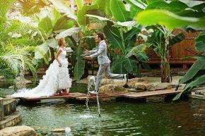 新娘婚纱礼服定制测量尺寸要考虑到的问题