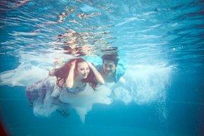摄影师如何拍好优秀的水下婚纱照作品