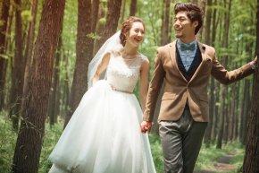 在厦门拍婚纱照摄影师能拍出新娘奢华的气质之