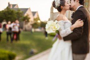 龙岩去厦门拍婚纱照时是如何选择与礼服搭配的