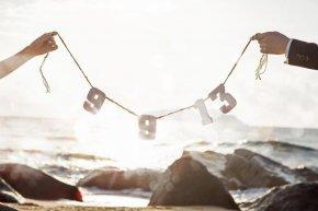 新娘如何选好美丽的婚鞋是要根椐配饰及拍摄场