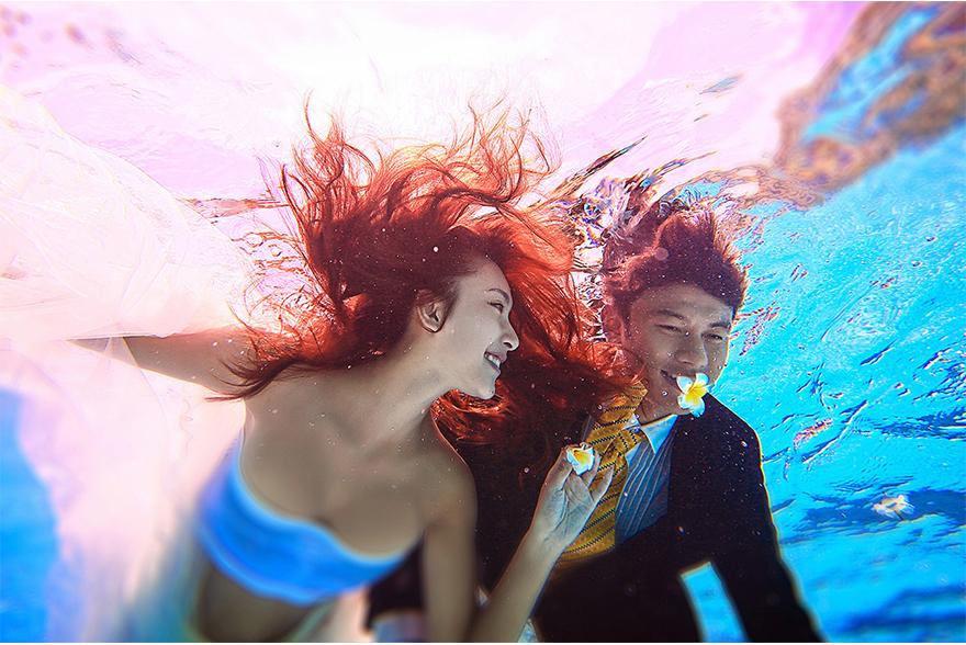 水下婚纱照 厦门水下婚纱摄影
